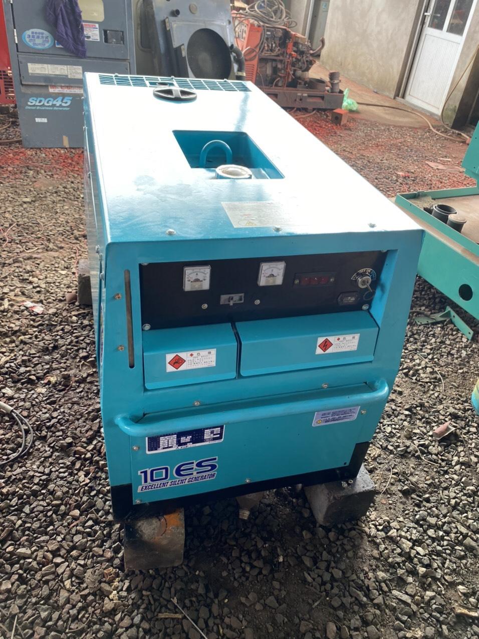 Máy phát điện 10 ES